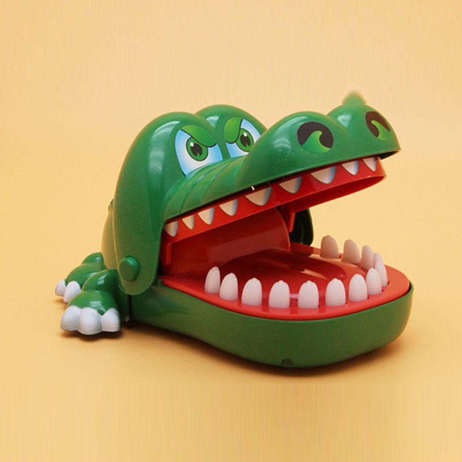 mua đồ chơi cá sấu cắn tay giá rẻ ở đâu tại tphcm